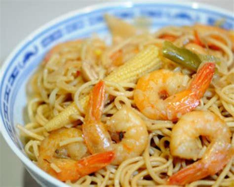 recette nouilles chinoises saut 233 es aux crevettes d 233 couvrez cette recette de cuisine sur recette