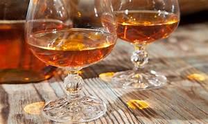 Alkohol Geruch Loswerden : weinbrandflecken entfernen ~ Markanthonyermac.com Haus und Dekorationen