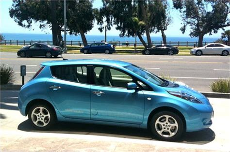 driving the nissan leaf electric car reveals range variability carfab