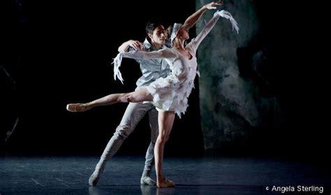 lac par les ballets de monte carlo danses avec la plume l actualit 233 de la danse