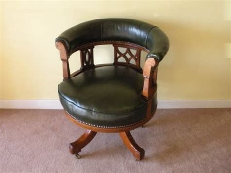 Leather Captains Chair Ideas For Homemade Useful Christmas Gifts Cute Girl Gift Sisters Good A New Girlfriend Gag Exchange Parents From Preschoolers Idea 2014 Romantic Men