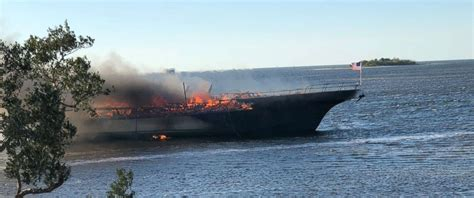 X Fire Boat by Casino Shuttle Boat Fire In Florida Kills 1 Injures More