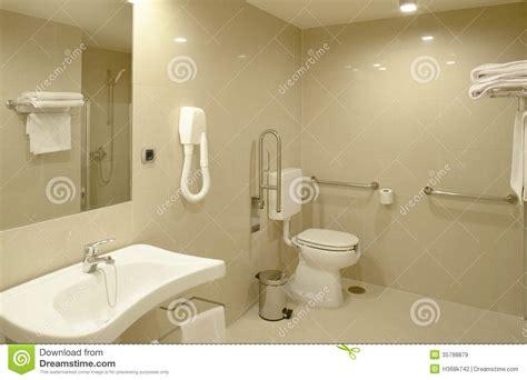 salle de bains 224 la chambre d h 244 pital moderne image stock image 35798879