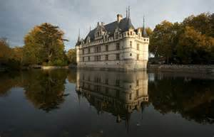 5 reasons to cycle the loire valley discover magazine the beaten path