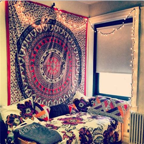 6 Different Ways To Use Beautiful Tapestries Six