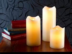 Flackernde Led Kerzen : britesta flackerkerzen led echtwachskerzen mit beweglicher flamme 3er set led kerze mit ~ Markanthonyermac.com Haus und Dekorationen