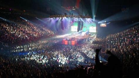 bercy 10 infos mythiques sur la plus grande salle de concerts de