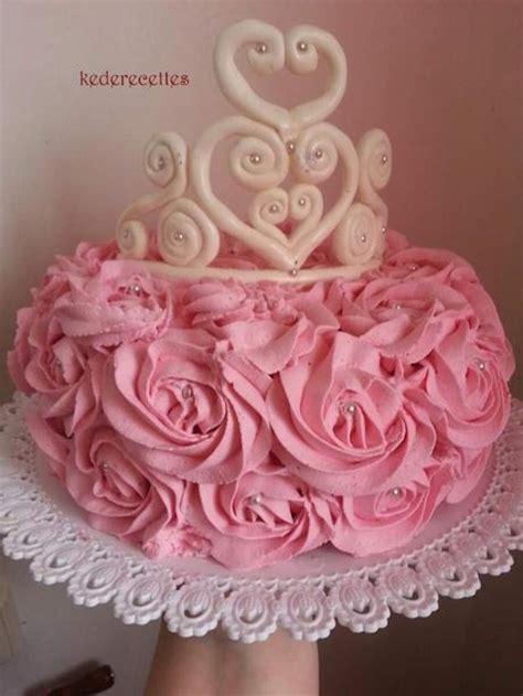 cake de princesse avec sa couronne paperblog