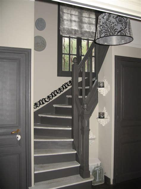 d 233 co entree couloir escalier