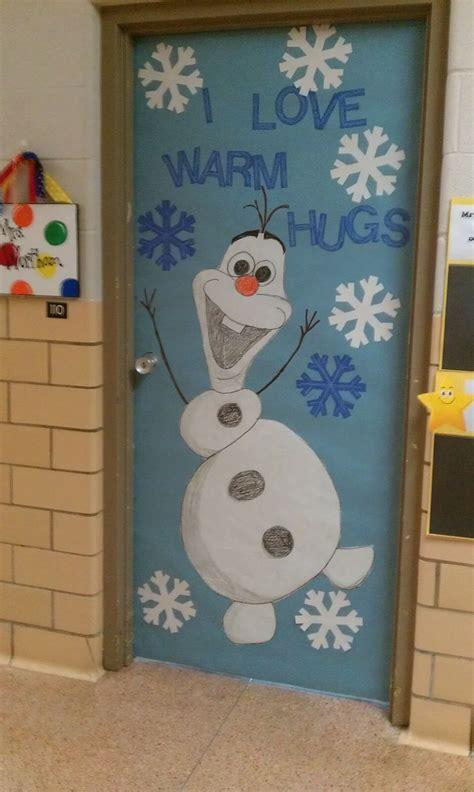 winter door decoration i olaf kindergarten