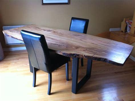 table en bois d olivier massif patte en fer forger noir table bois fer tables