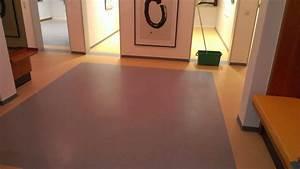 Linoleum Pvc Unterschied : grundreinigung und beschichtung eines linoleumbodens rs droske ~ Markanthonyermac.com Haus und Dekorationen