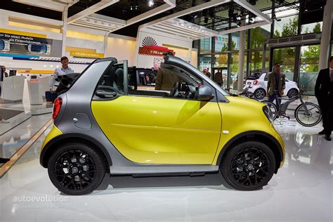 Smart Fortwo Cabrio Arrives In Frankfurt To Make City Life