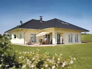 Haus Bungalow Modern : weber bungalow luxus haus bauen modern walmdach musterhaus modern moderne h user 2018 ~ Markanthonyermac.com Haus und Dekorationen